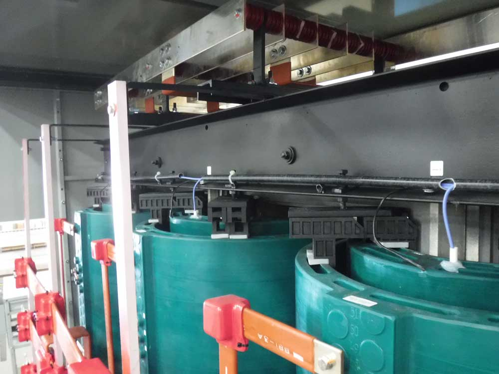extra heavy duty traction cast coil transformers